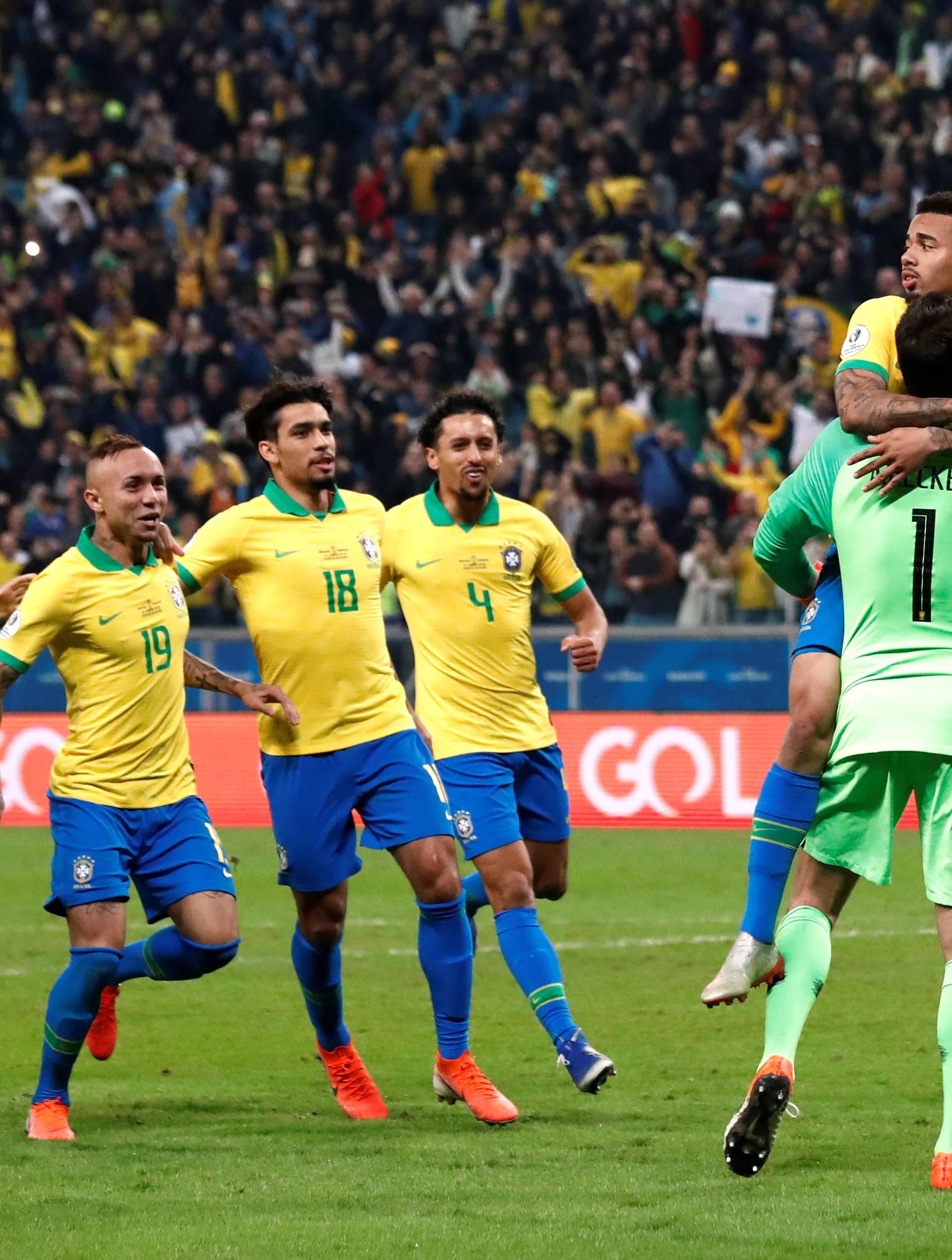 Drama u Porto Alegreu: Brazil na penale izbacio Paragvaj...