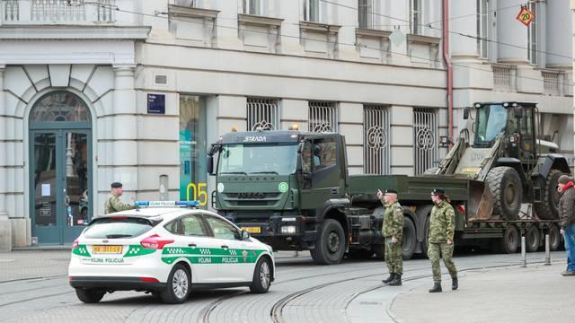 Vojska izažla na ulice Zagreba kako bi pomogla nadležnim službama