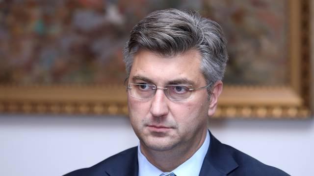 Veliki vođa: Plenković i dalje gazi po Ustavu i po demokraciji