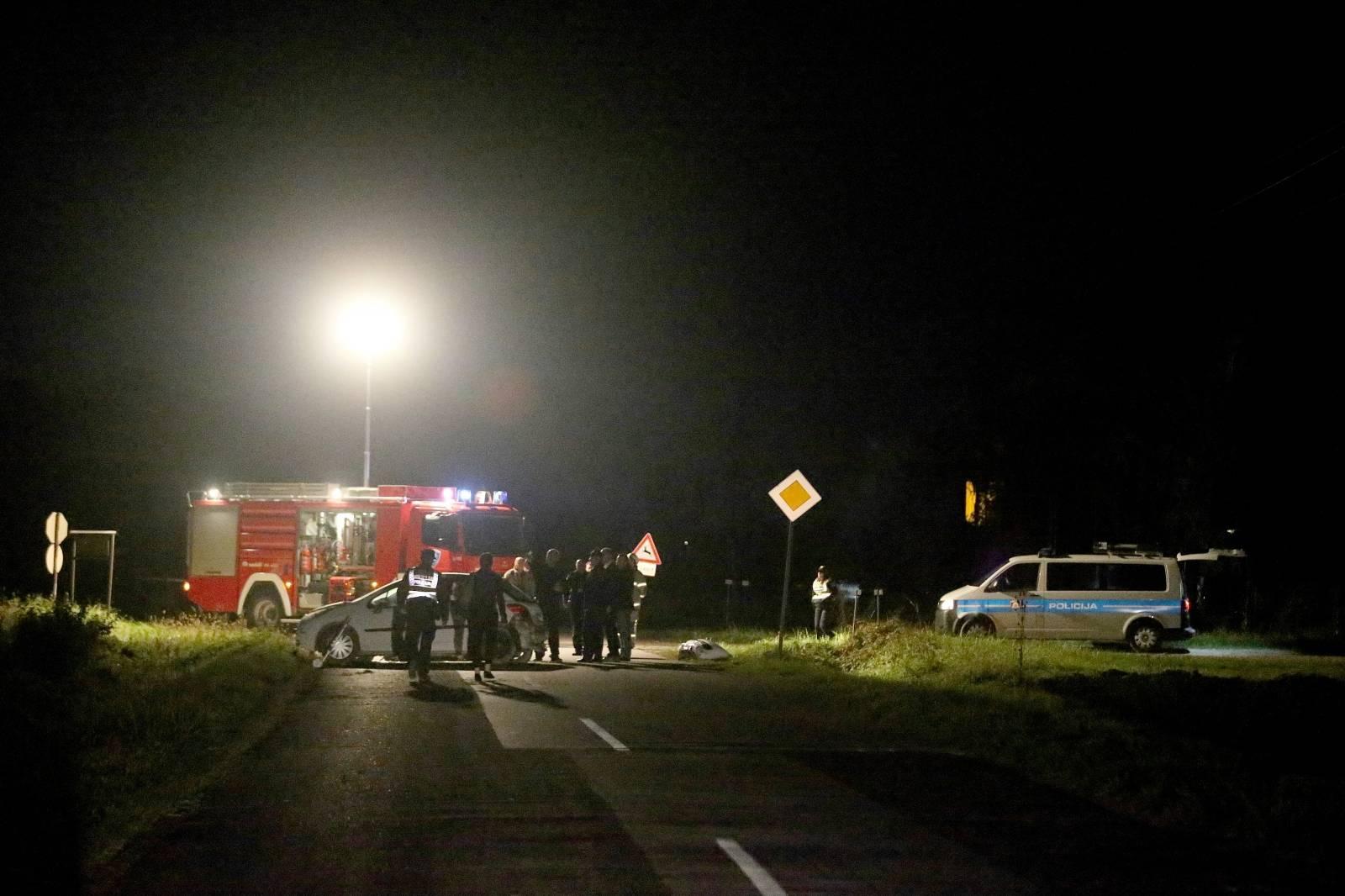Jedna osoba poginula u slijetanju automobila nedaleko Dugog Sela