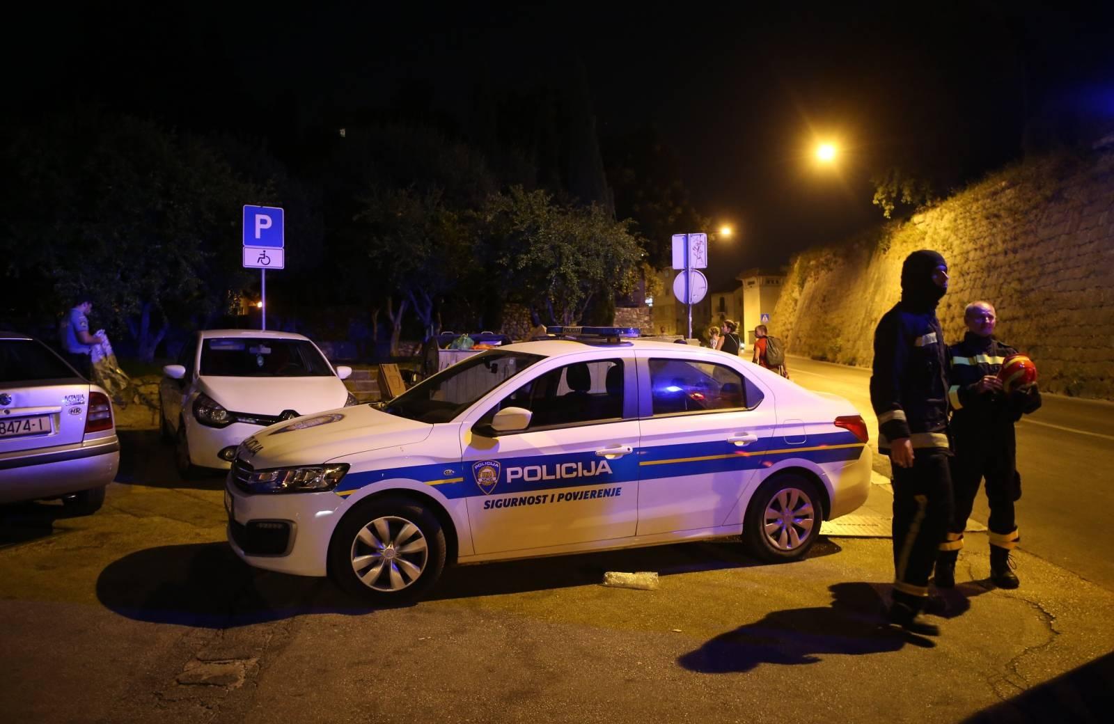 Split: Nepoznati napadač nekoliko puta nožem izbo 53-godišnjaka