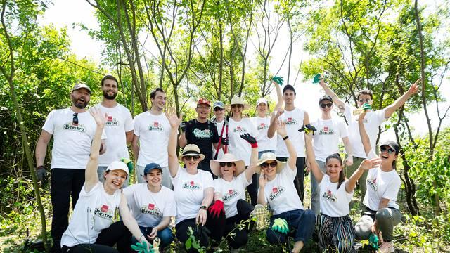 Održana akcija pripreme okoliša  za sadnju medonosnog bilja u Novom Jelkovcu