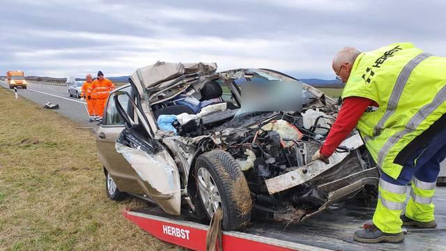 Teška nesreća na A3: Autom udario u vojni kamion i poginuo