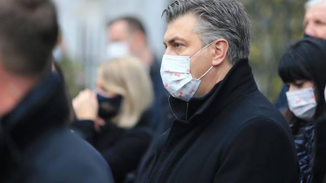 Vukovar: Komemorativni program ispred Necionalne memorijalne bolnice