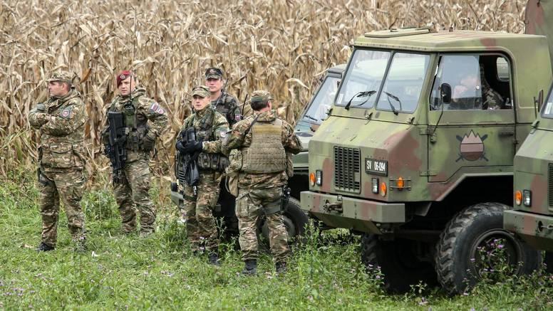 Slovenska policija otkrila je više grupa migranata, priveli  vodiče