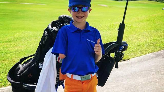 Dječak (9) se rodio bez desne ruke, a u golfu obara rekorde