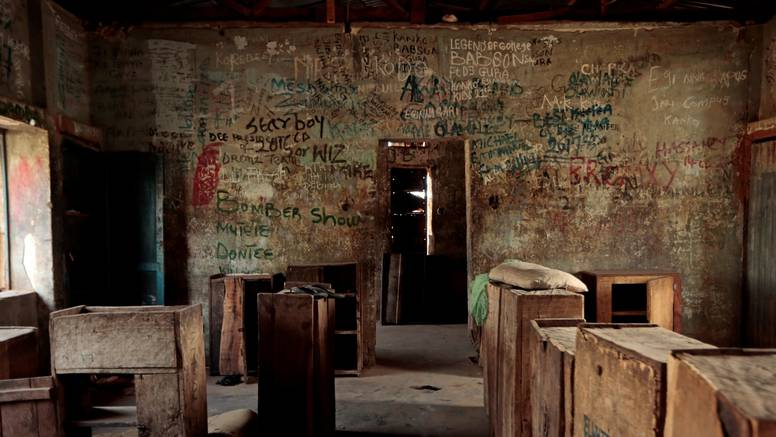 Otmičari oslobodili nigerijske učenike, potraga za 300 otetih djevojčica još traje