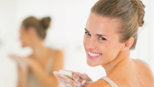 Često pranje ruku učinite lijepim za sebe - kratko meditirajte ponavljajući pozitivne mantre