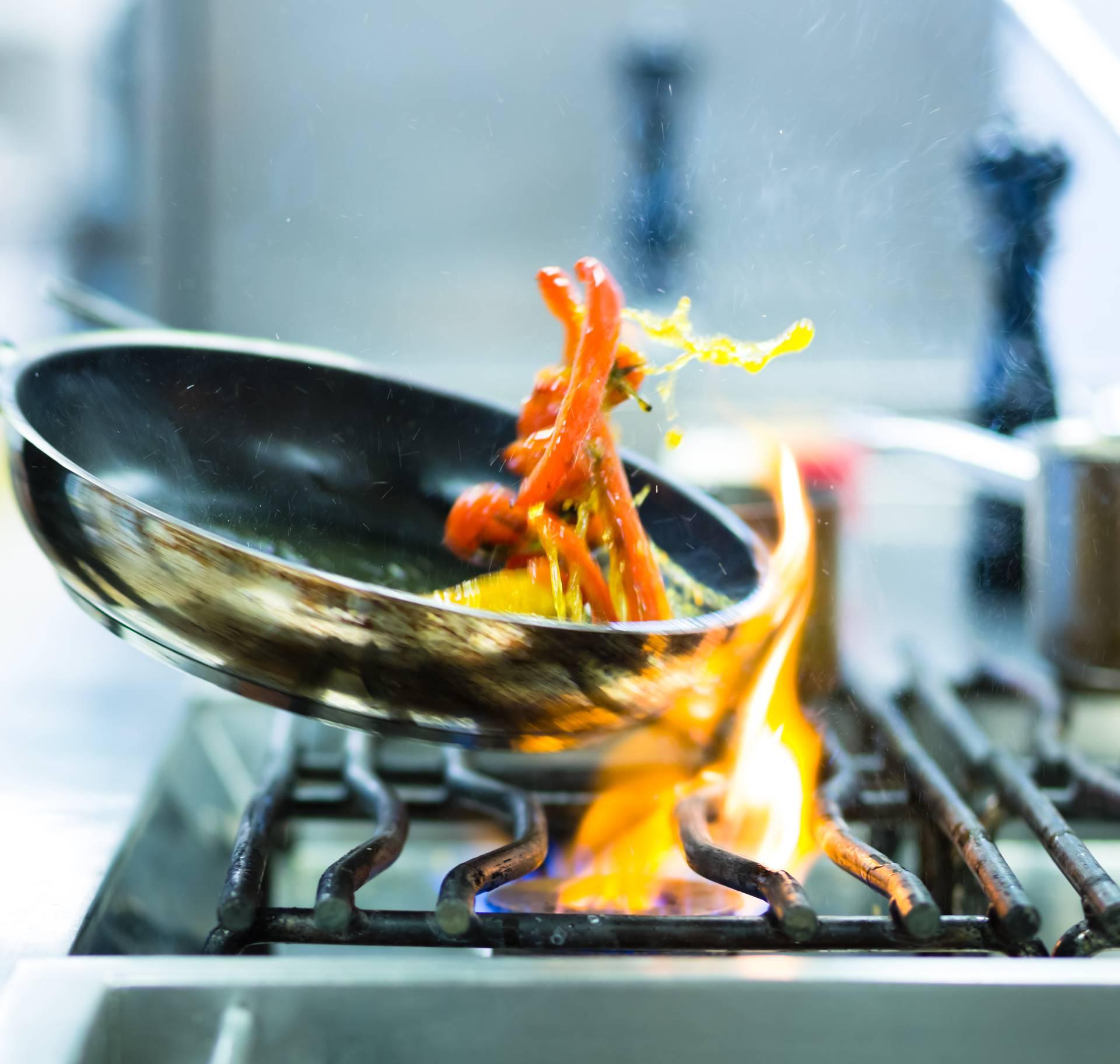 Kuhari otkrili česte greške koje radimo dok kuhamo kod kuće