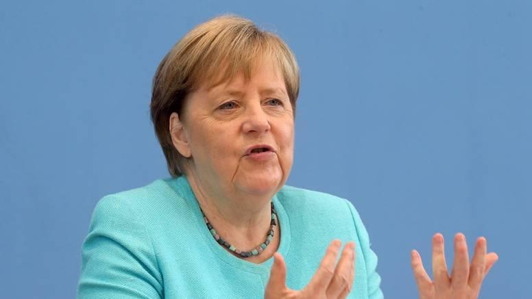 Merkel: Zbog evakuacije ljudi nužan je dijalog s talibanima