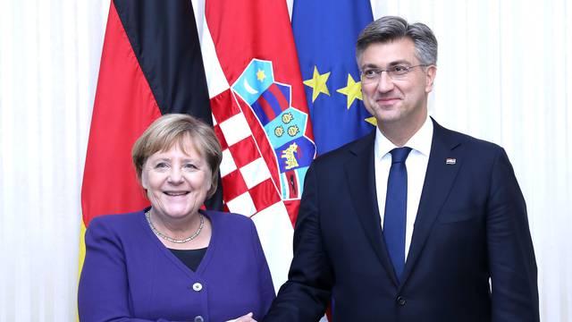Plenković i Merkel razgovarali o sezoni i dolasku Nijemaca u RH