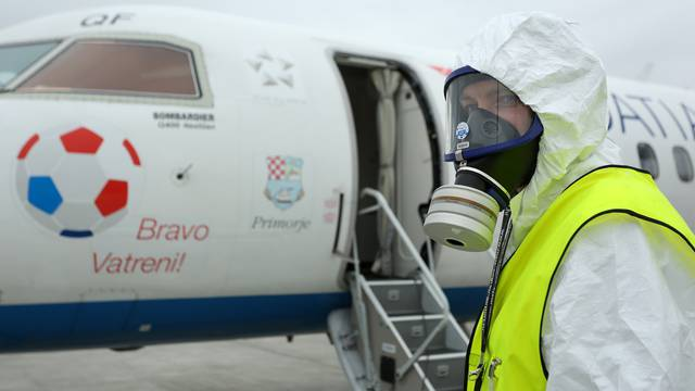Zagreb: Dezinfekcija aviona Croatia airlinesa zbog koronavirusa