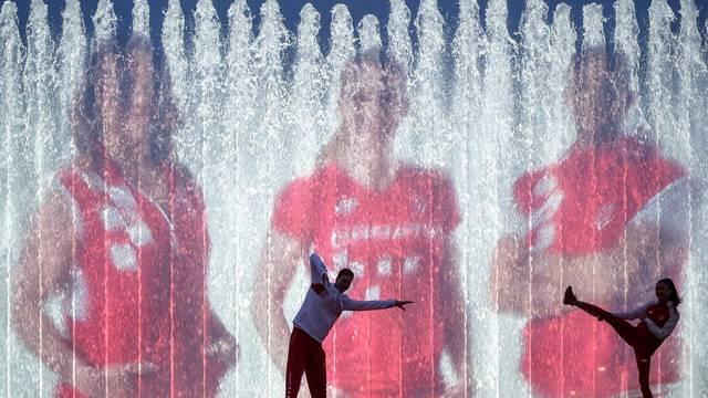Zagreb: Osvjetljenim fontanama obilježeno sto dana do Olimpijskih igara u Tokiju