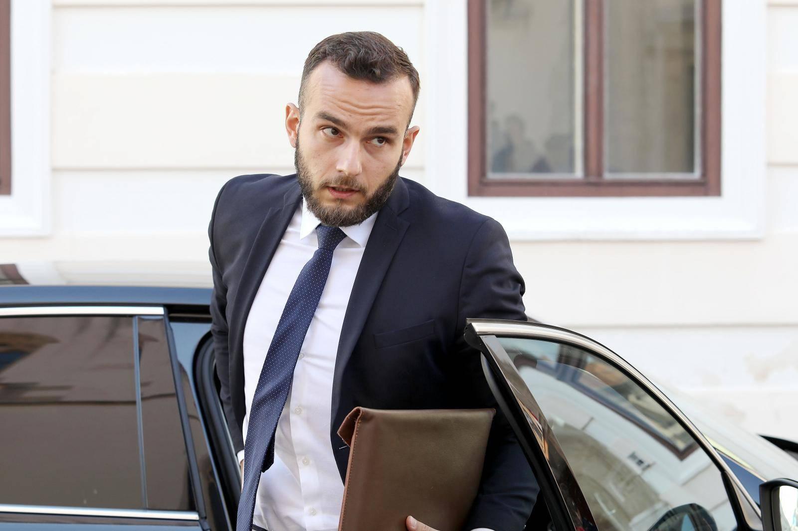 Zagreb: Dolazak ministara na 177. sjednicu Vlade RH