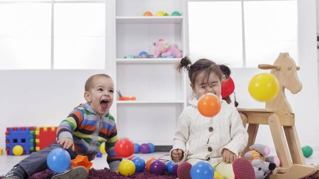 Ove stvari i igračke mogu biti opasne za djecu - zaštitite ih