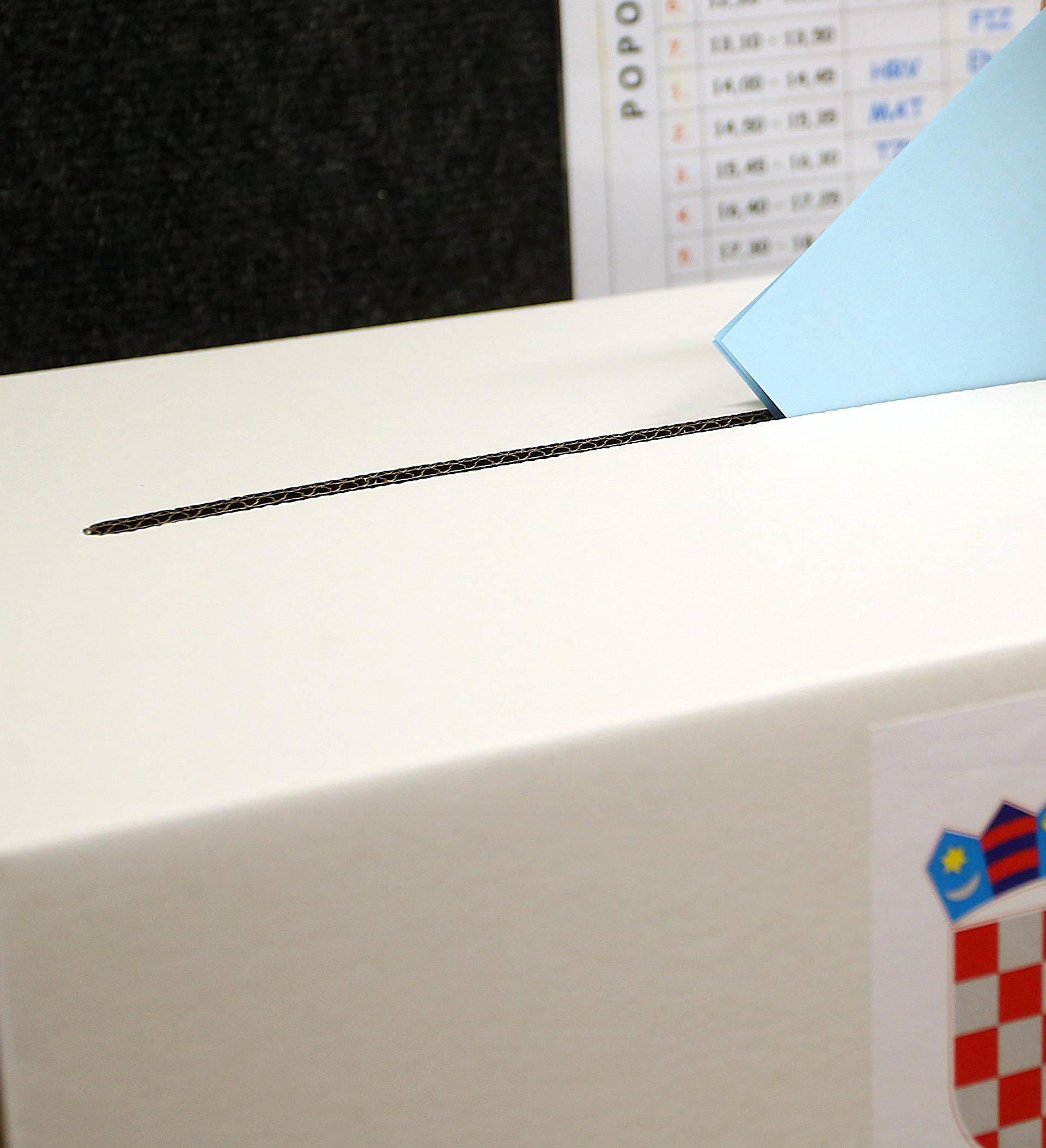 Na predsjedničke izbore može izaći skoro 3,9 milijuna birača