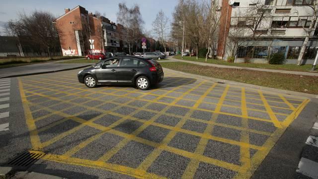 Postojeći zbunili vozače: Novi žuti kvadrati stižu na križanja