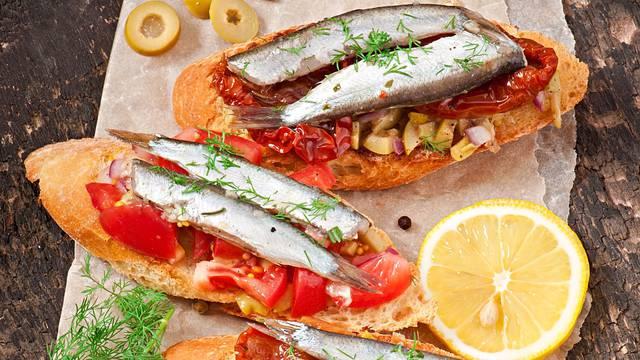Crostini s inćunima - ukusni i zdravi mediteranski zalogajčići