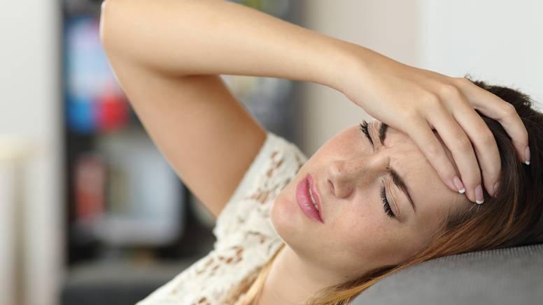 Muči vas glavobolja? Pomaže masaža palca, ulje eukaliptusa