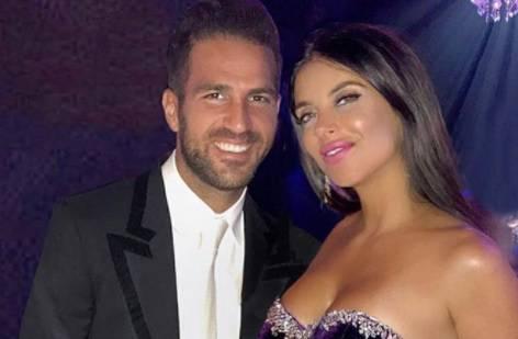 Svadbena zvona:  Fabregas je zaprosio svoju bujnu Daniellu