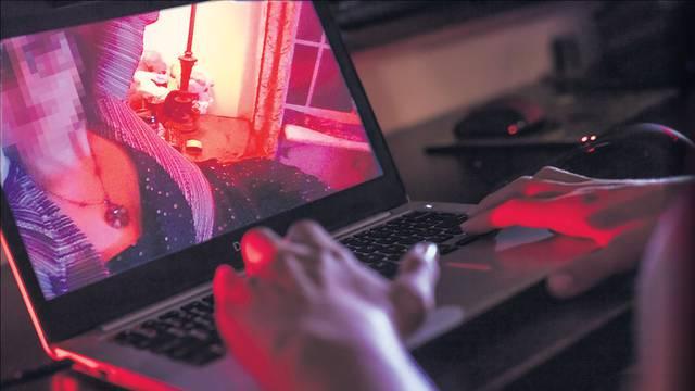 Alarm: Hrvatski tinejdžeri se ucjenjuju golim fotografijama