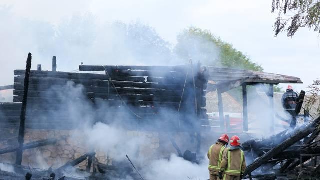 Bilje: Požar je u potpunosti uništio kuću na eko - gospodarstvu Orlov put