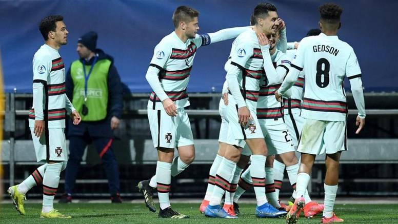 Dečki, dosta je: Portugalci zabili previše golova, domaćin ih na semaforu označavao trakom