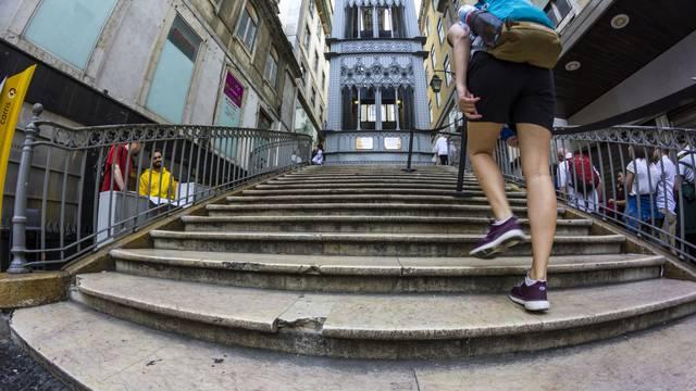 Zašto ostajemo bez daha na stepenicama - mogući razlozi
