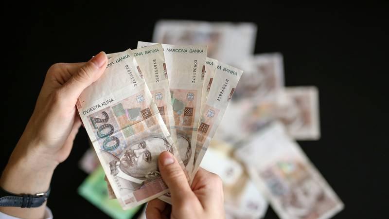 Najviša prosječna neto plaća u 2020. godini u informacijama i komunikacijama 8.706 kuna