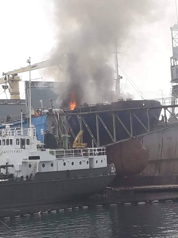 Umalo katastrofa: Gorio brod u Lošinju, a unutra zapaljivi plin