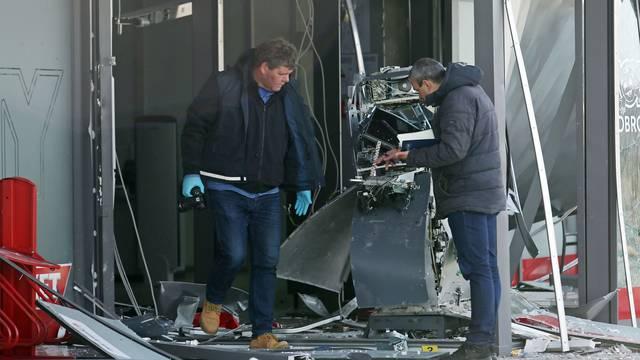 U Primoštenu ekplozivom raznijeli bankomat u trgovini Tommy