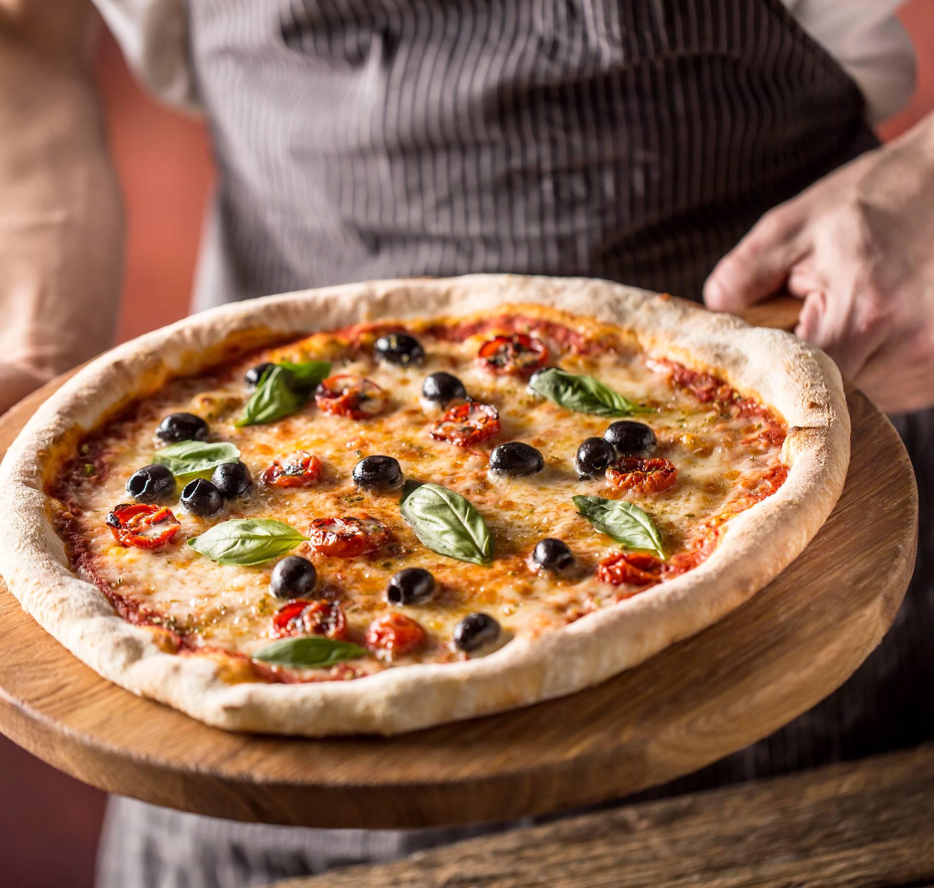 Talijanski chef otkrio kako se pizza jede: To je pravilan način