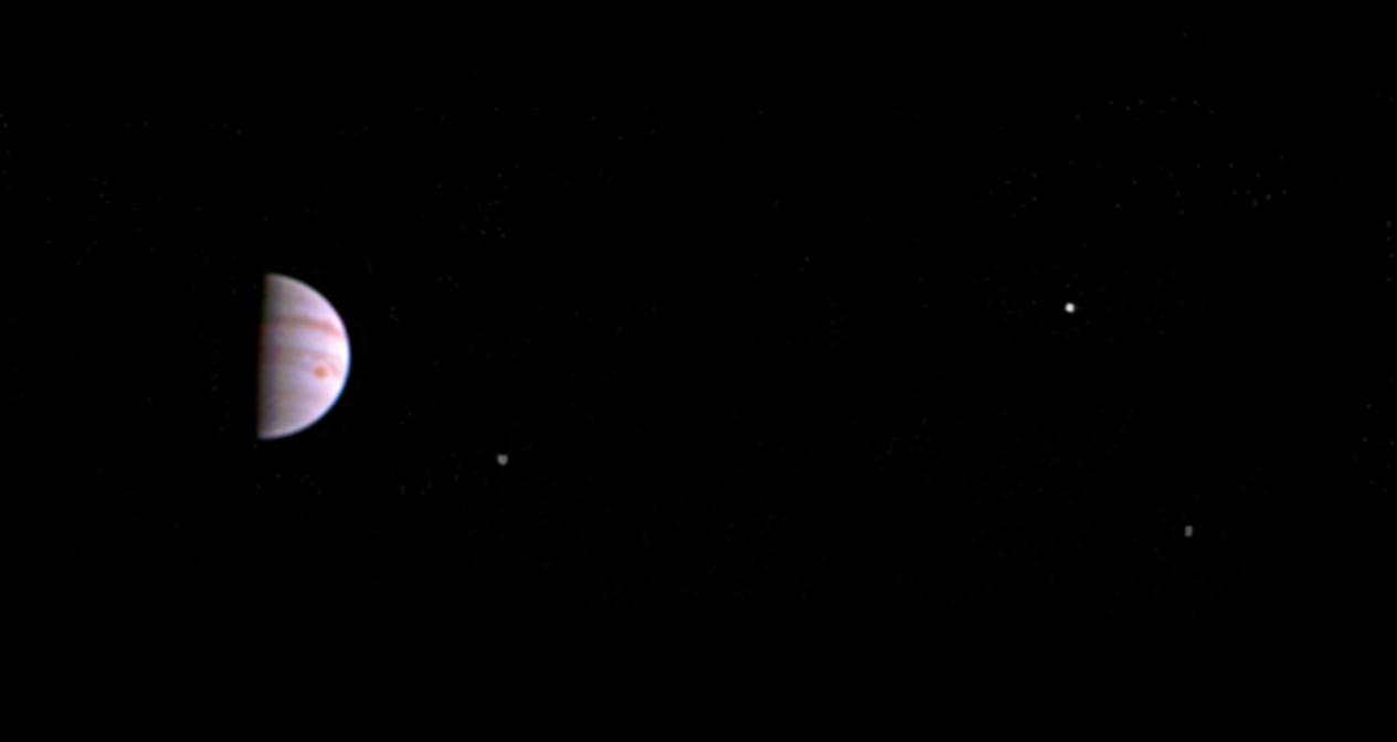 Letjelica Juno poslala je prvu fotografiju iz Jupiterove orbite