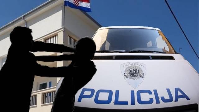 U Makarskoj pijan uhvatio policajca za vrat, u Sinju dvije cure kamenjem gađale postaju