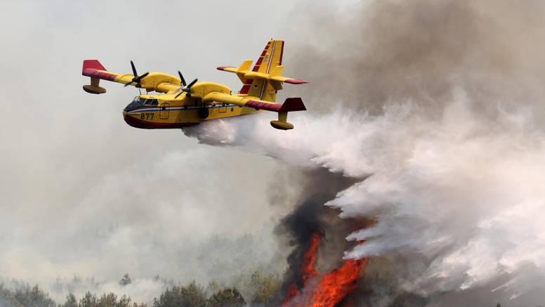 Požari diljem BiH, a Dodik blokira uporabu vojnih helikoptera za gašenje