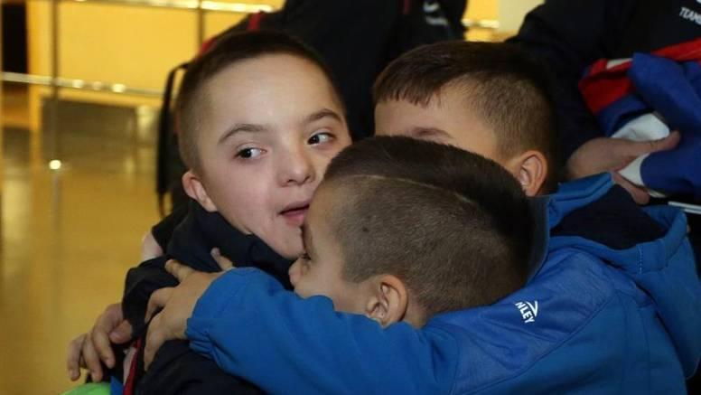 'Brončani' Mateo (12) vratio se iz Rusije: Dočekali ga na Plesu