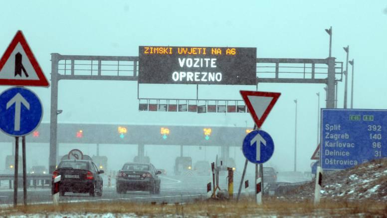 Upalio se crveni alaram: Dio A1 zatvoren je za sav promet, udari bure dosežu i do 180 km/h