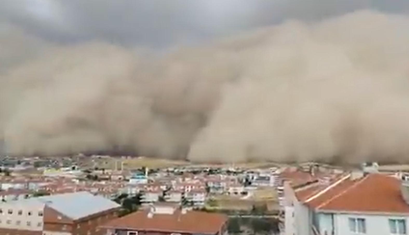 Video: Ogromna oluja u Ankari