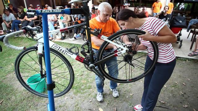 Čokoladica: Obavezna oprema za promjenu gume na biciklu