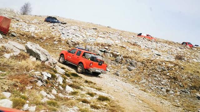 Požare na Dinari i Svilaji su vatrogasci stavili pod kontrolu