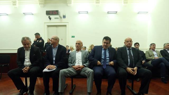 Netko je nazvao 192  i prijavio da se na suđenju Bandiću krše epidemiološke mjere stožera