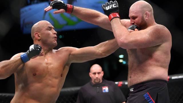 UFC: JDS protiv Lewisa, 'Big Ben' prvi put od Zagreba 2016.