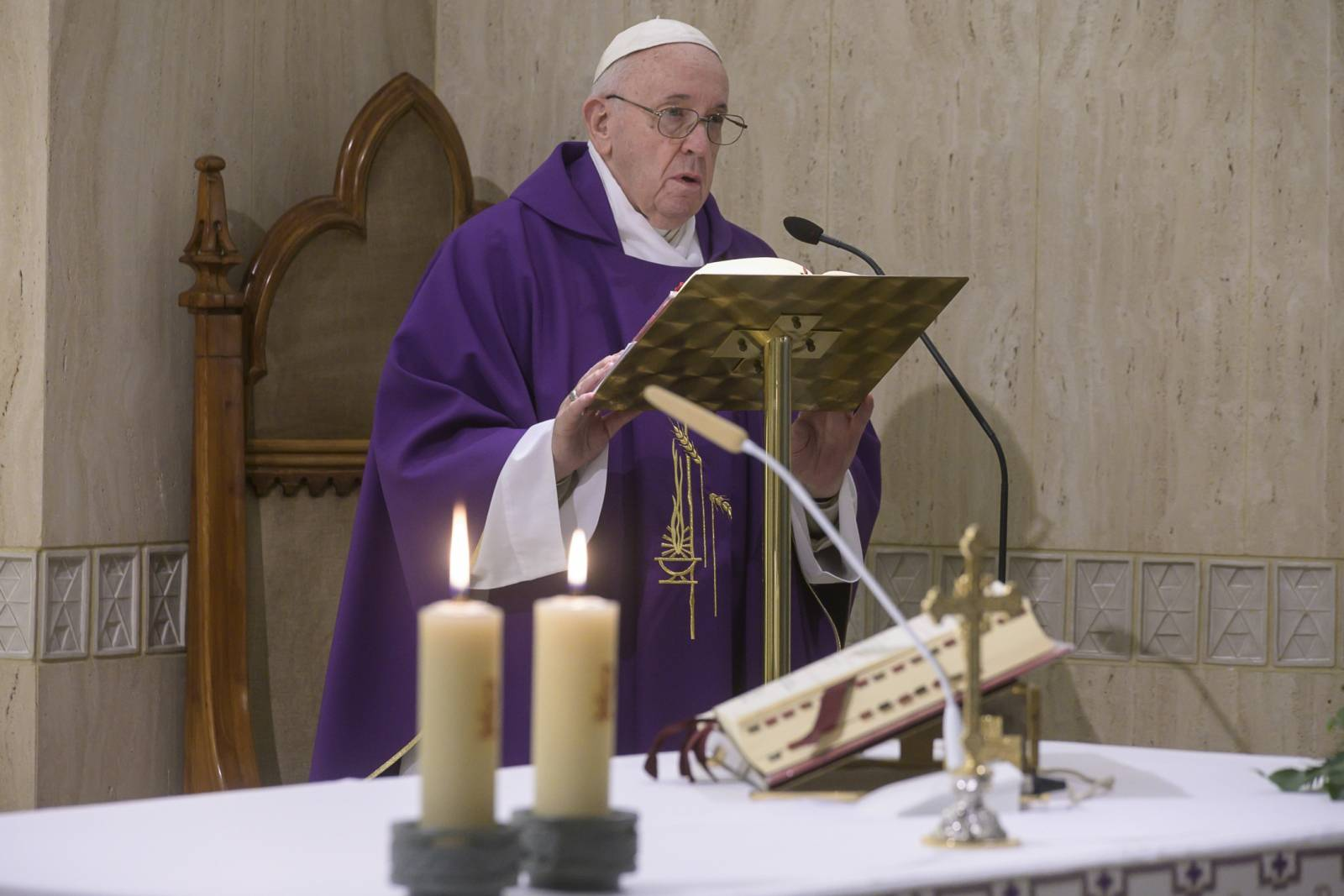 April 8,2020  : Pope  Francis celebrates a mass in Saint Marta at the Vatican