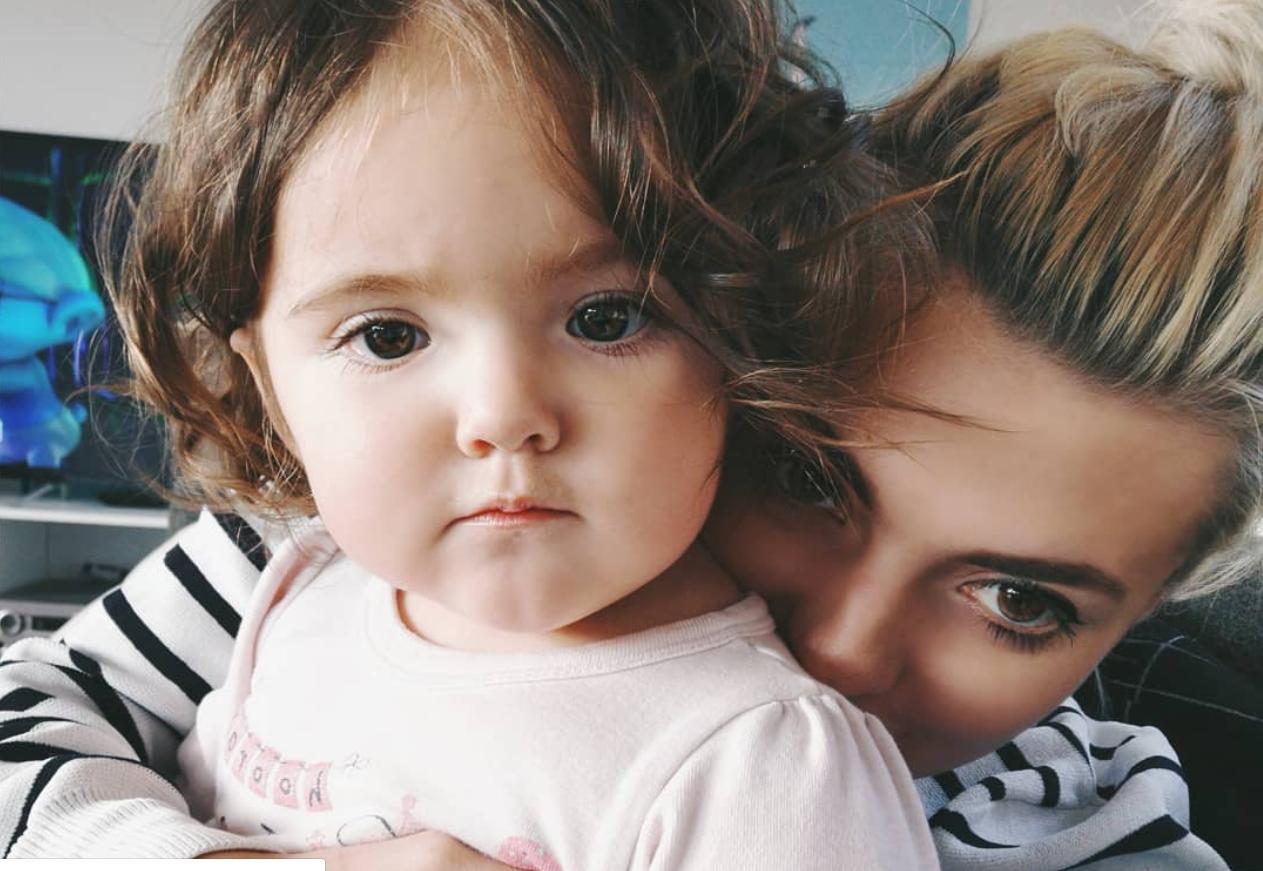 Svoju kći čuvam  trakom i boli me briga smeta li to nekome