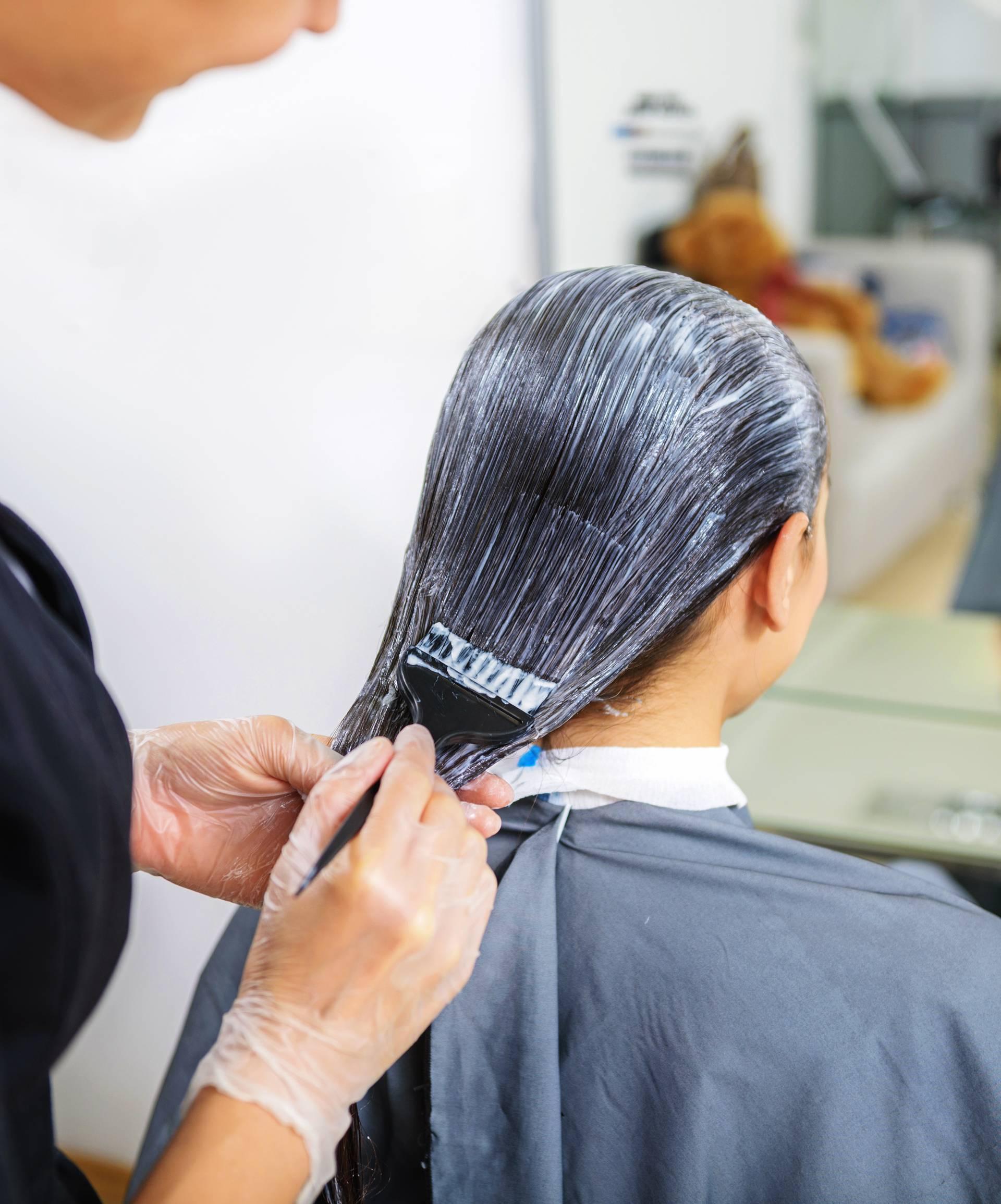 Super trik za bojanje kose kod kuće dat će vam lijepe nijanse