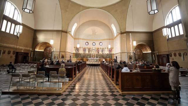 Kako će sutra izgledati mise: Bit će kraće, nema zborova...