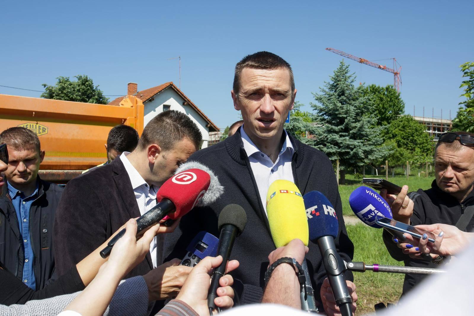Vukovarski gradonačelnik Ivan Penava obišao Bogdanovačku ulicu gdje su u tijeku radovi