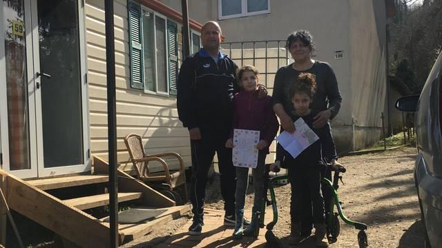 Žive u kontejneru tri mjeseca: 'Pisma podrške vršnjaka iz Šibenika uljepšala su nam dane'