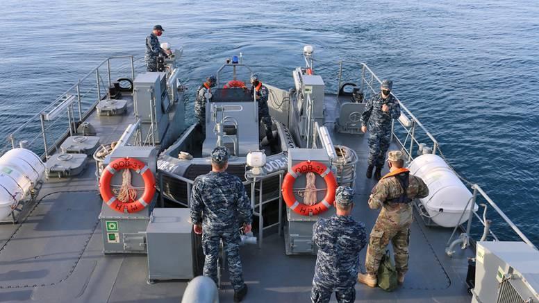 Ratna mornarica SAD-a donirala je protuminsku opremu HRM-u