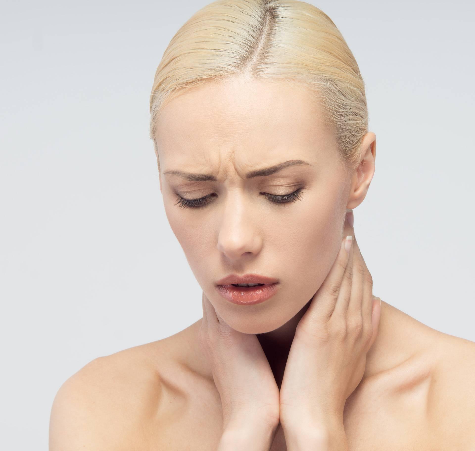15 najboljih domaćih lijekova koji smiruju kašalj i bolno grlo